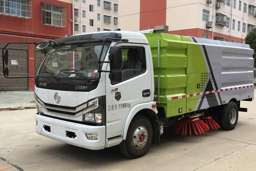 國六東風8方掃路車